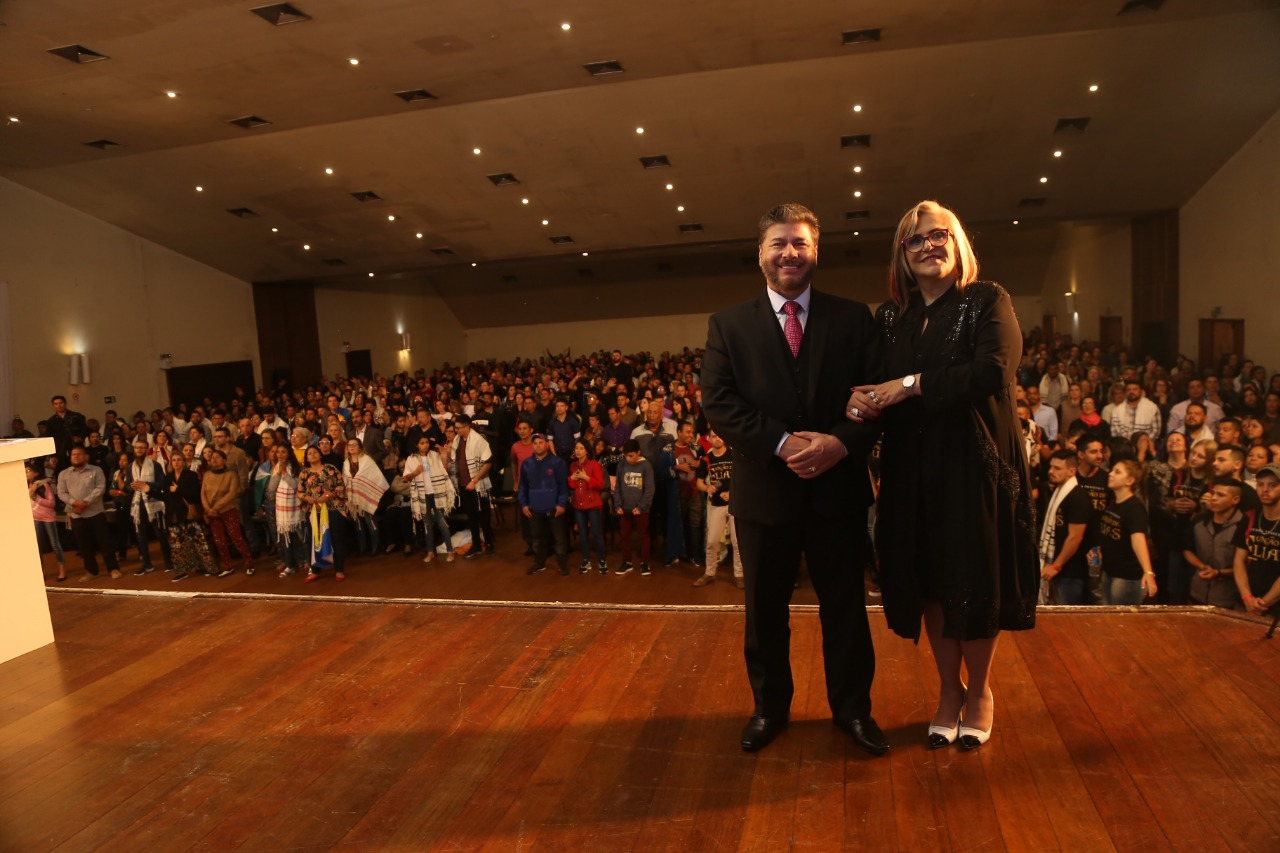 Joel e Mara Engel