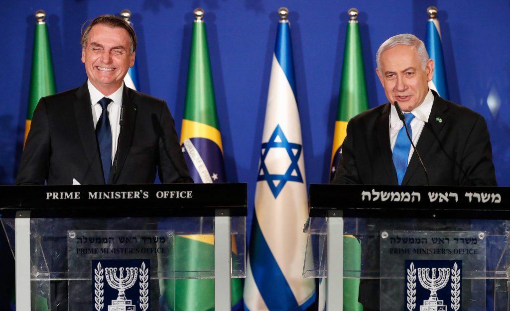 Presidente Jair Bolsonaro e premiê israelense, Benjamin Netanyahu, anunciam escritório de negócios brasileiro em Jerusalém. (Foto: Yoav Dudkowitz)